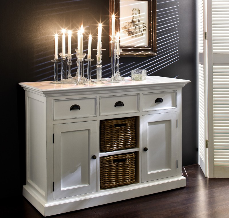 Buffet commode bois blanc colleciton leirfjor 2 portes 2 paniers rotins buffet console for Meuble blanc et bois