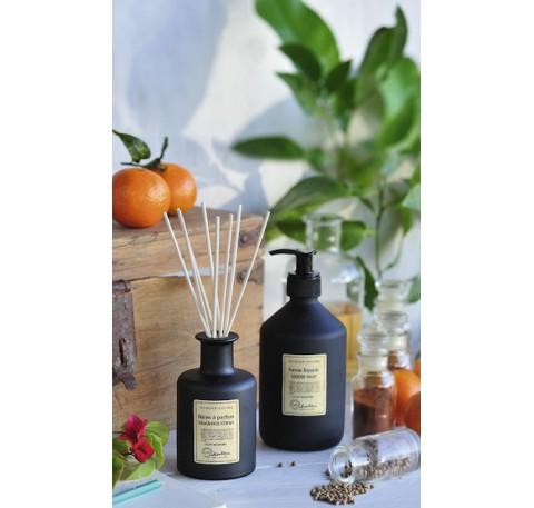 bougie la francaise bougie parfumee diffuseurs le comptoir des authentics. Black Bedroom Furniture Sets. Home Design Ideas