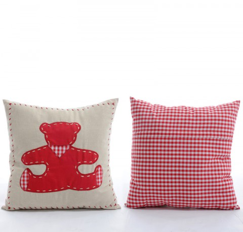 Coussin ours en lin rouge