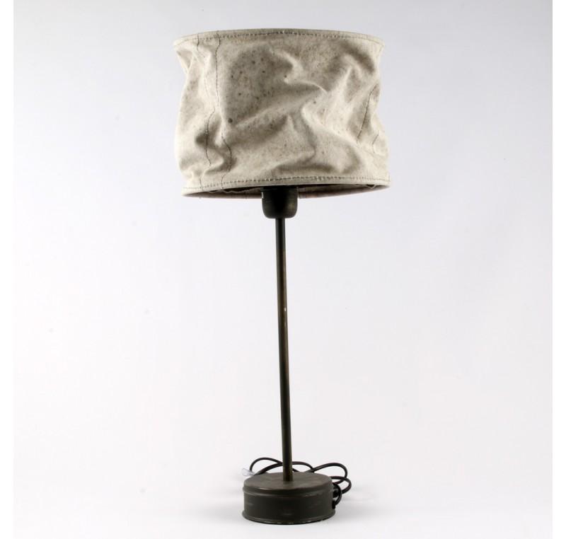 lampe dagobert grand abat jour en tissus luminaire lecomptoirdesauthentics. Black Bedroom Furniture Sets. Home Design Ideas