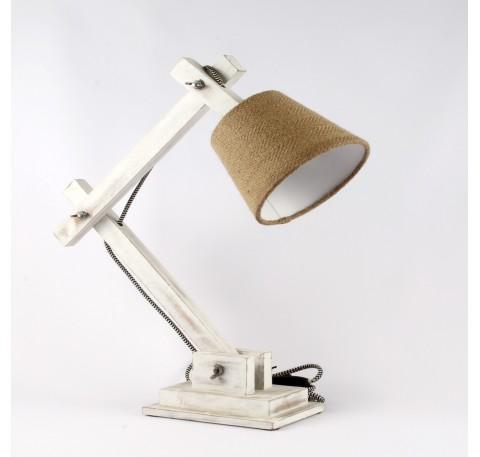 Lampe en bois blanc patiné et abat jour de couleur beige