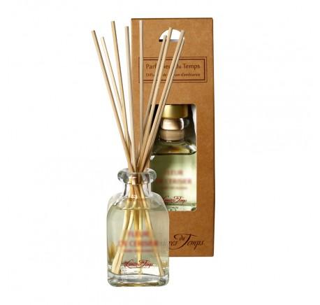 Diffuseur de Parfum d'Ambiance POMME D'AMOUR - LES LUMIERES DU TEMPS 100 ml - Diffuseur de parfum - Lecomptoirdesauthentics