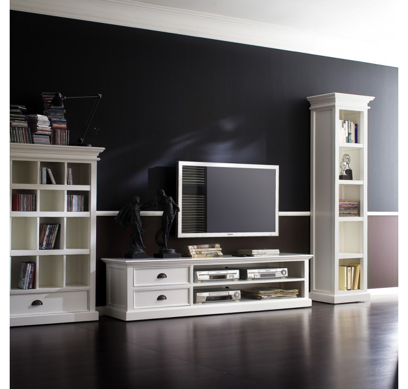 meuble tv bois blanc leirjford 180cm meuble tv meubles bois lecomptoirdesauthentics. Black Bedroom Furniture Sets. Home Design Ideas