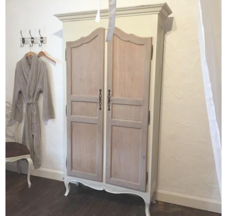 Armoire Bois Patiné collection PHILEMON - Armoire - Chambre à coucher - Lecomptoirdesauthentics
