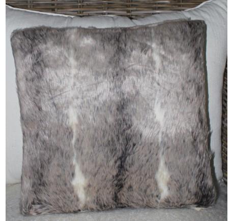 Coussin Omahas gris façon fourrure petites rayures - Coussins - Lecomptoirdesauthentics