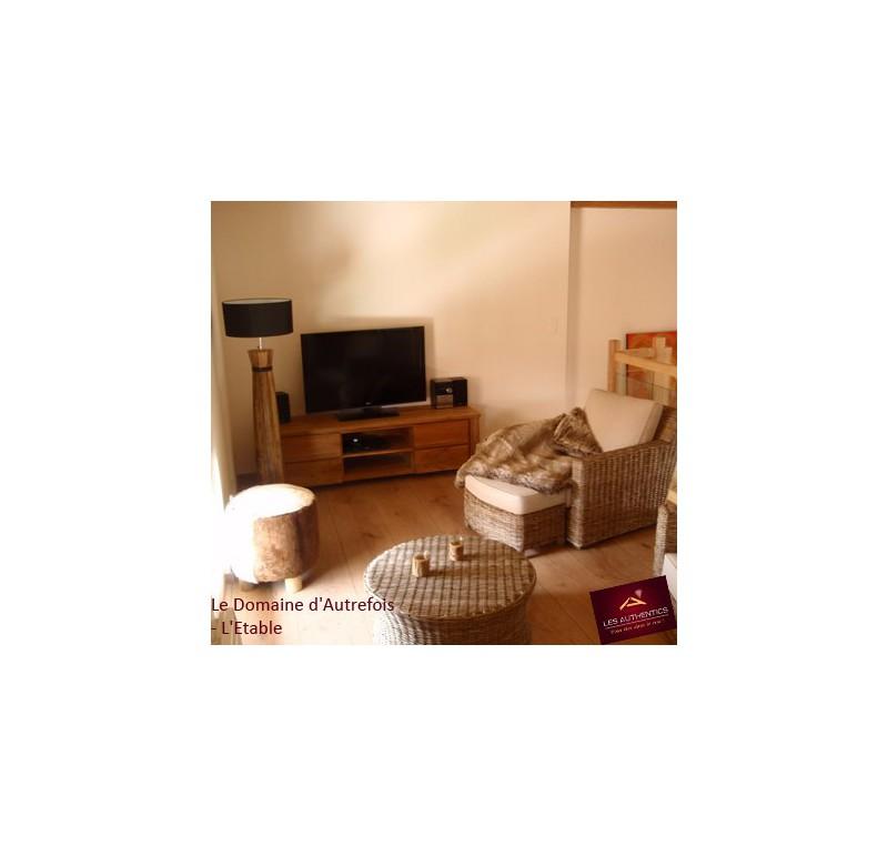 Meuble tv teck massif collection liona meuble tv for Meuble tv solde