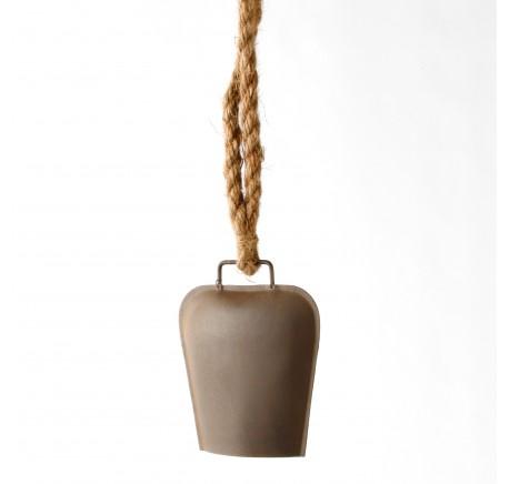 Cloche métal effet rouillé sur corde Hauteur Totale 63 cm - Objets déco maison - Lecomptoirdesauthentics
