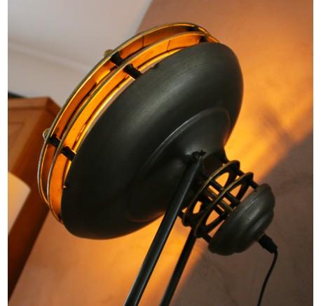 Lampe sur trepied en métal vieilli façon projecteur - Luminaire - Lecomptoirdesauthentics